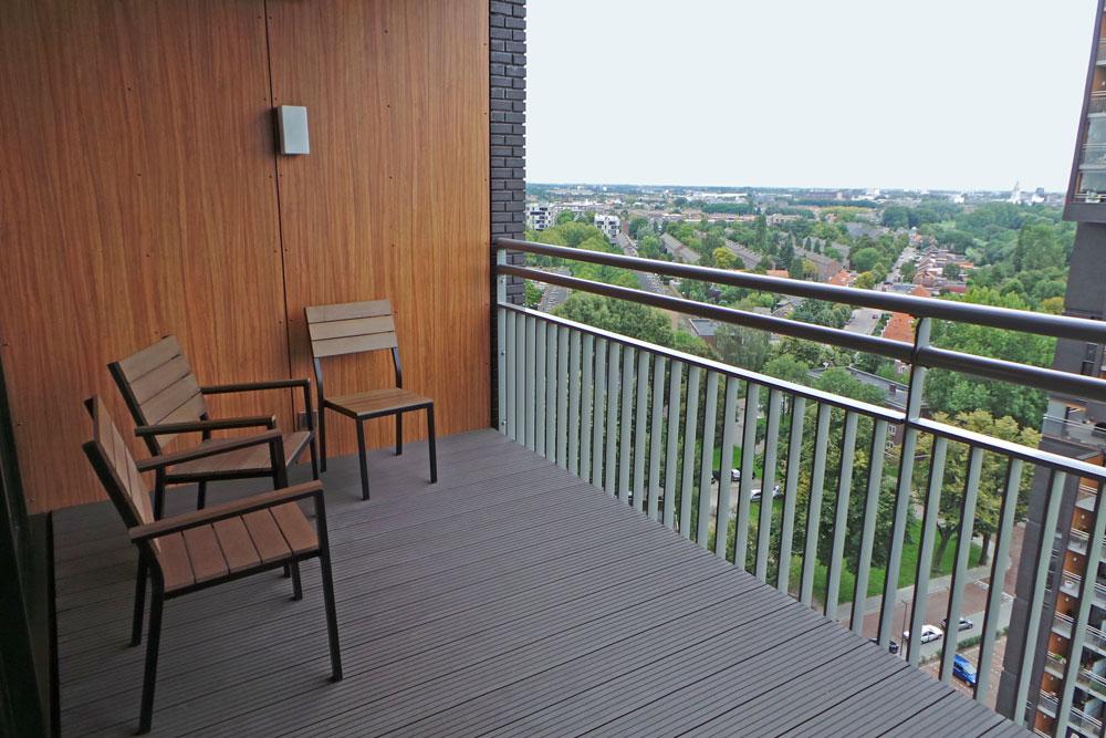 composiet vlonderplanken op balkon composiet vlonderplanken eu. Black Bedroom Furniture Sets. Home Design Ideas